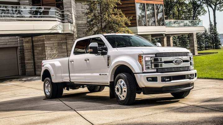 11 A 2019 Ford F450 Super Duty Reviews