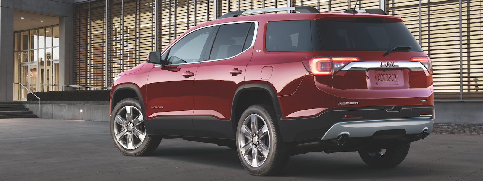 11 A 2019 GMC Acadia Performance
