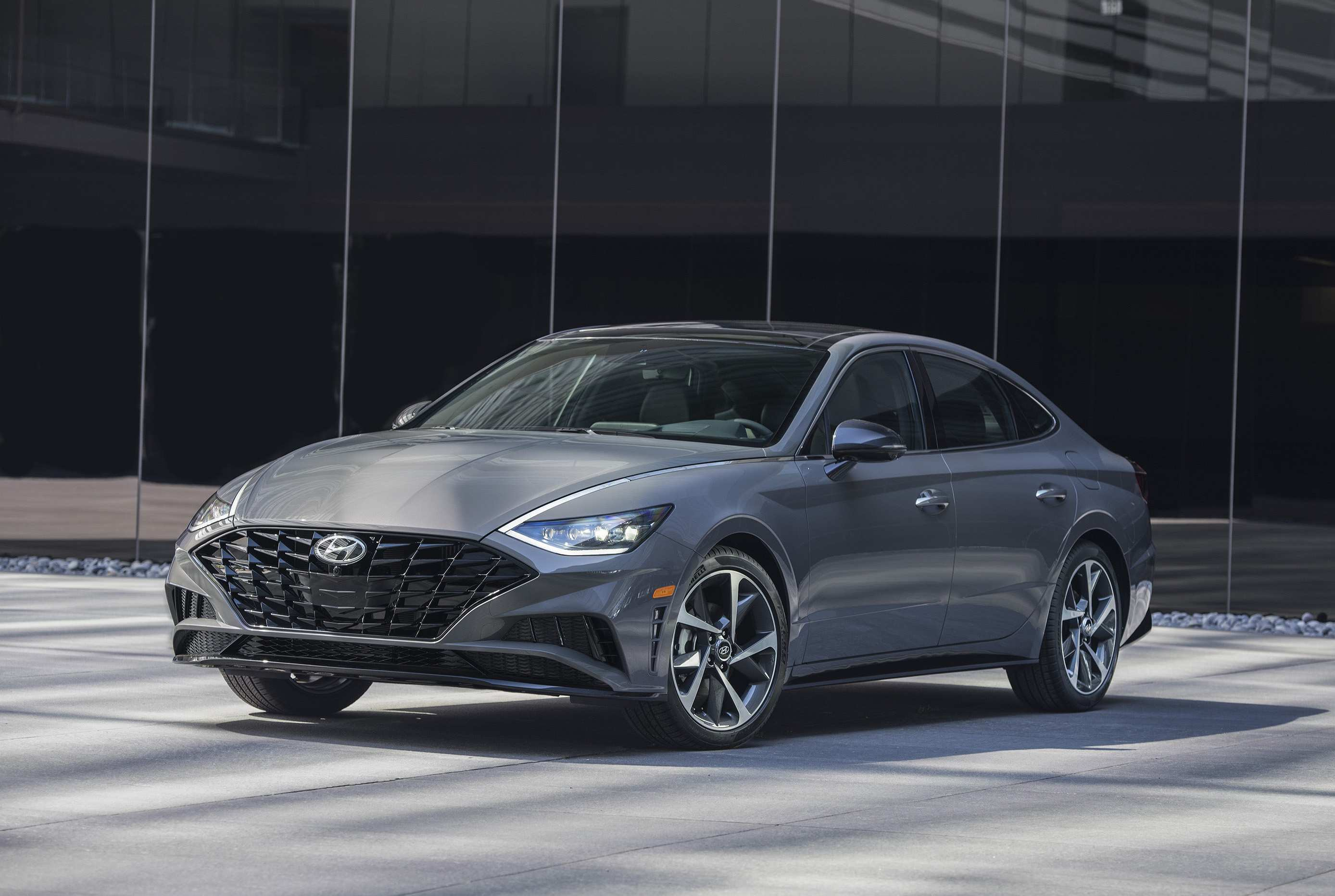 11 All New 2020 Hyundai Sonata Hybrid Sport Picture