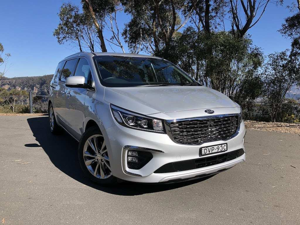 11 New 2019 Kia Carnival Images