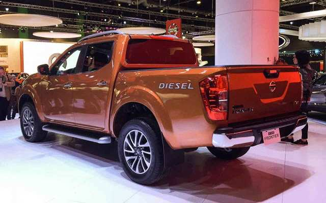 11 The 2020 Nissan Frontier Diesel Images