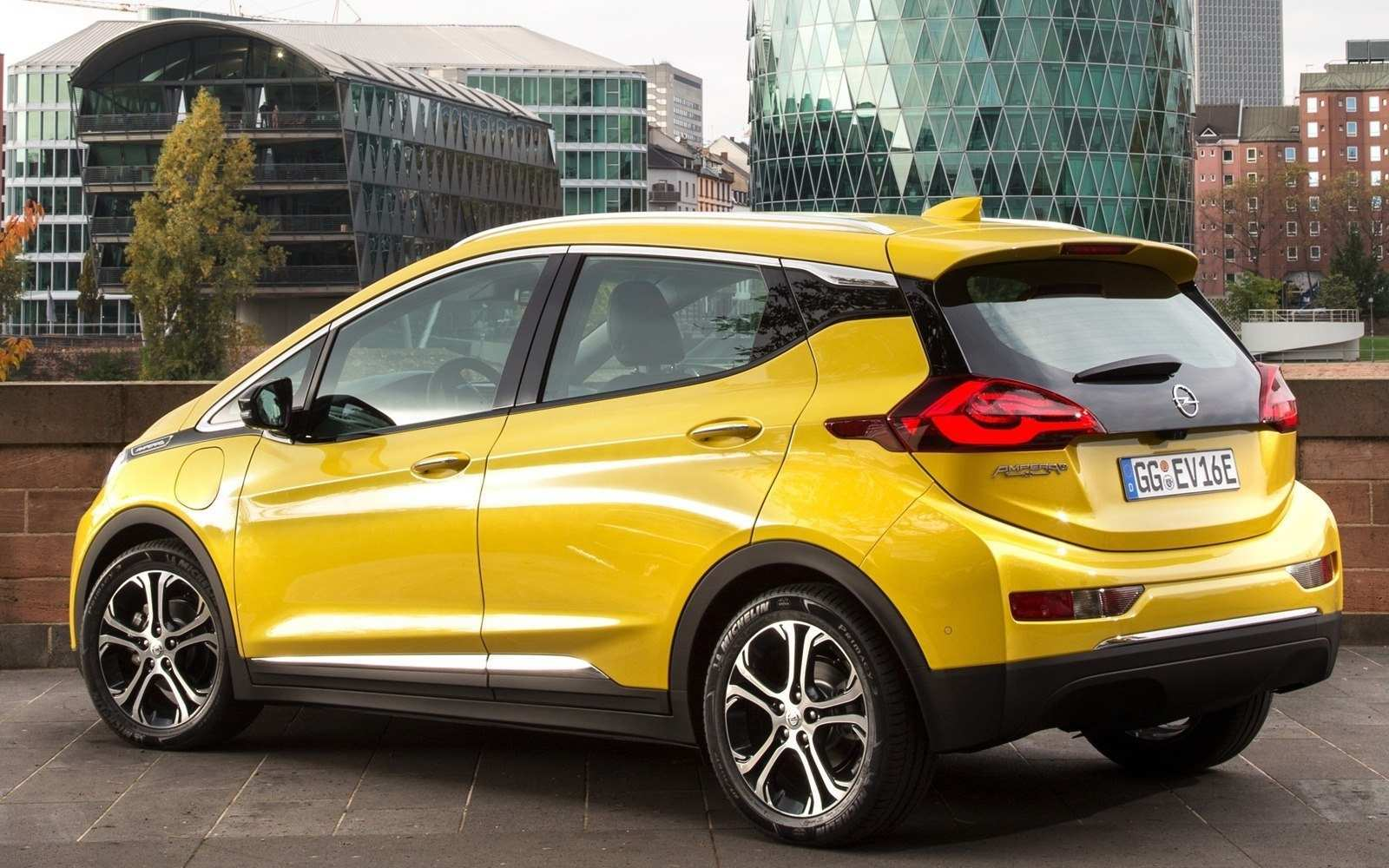 11 The Best 2019 Opel Ampera Pictures