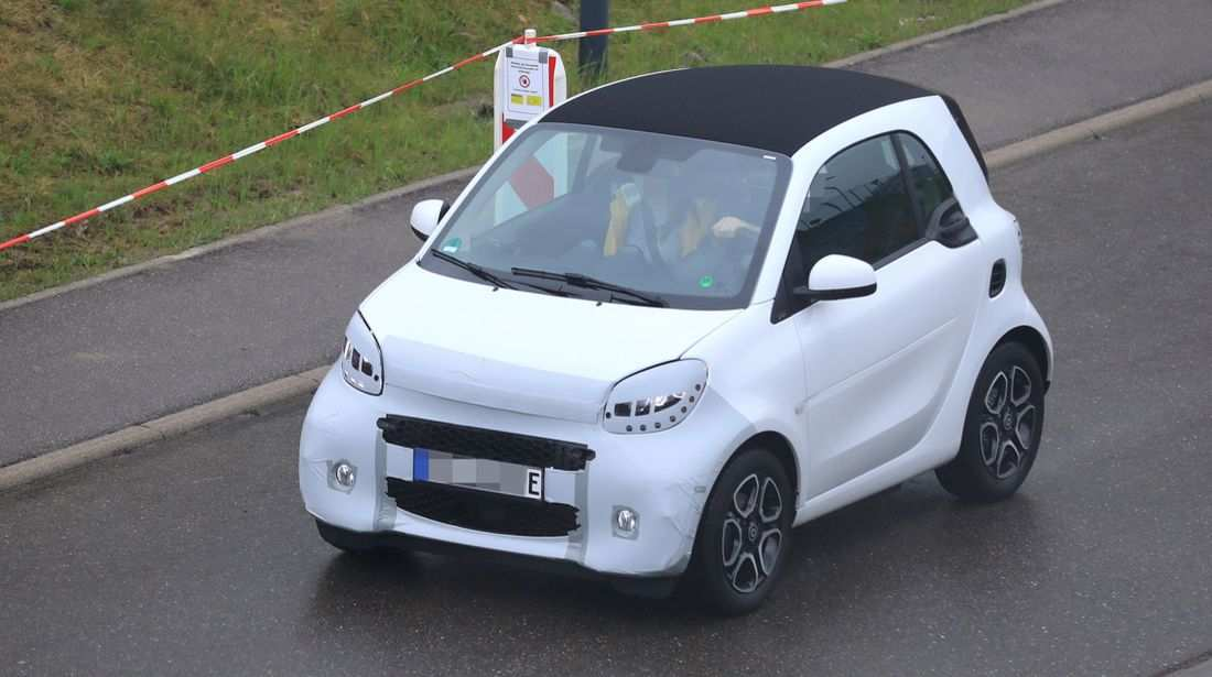 12 A 2020 Smart Fortwo Photos