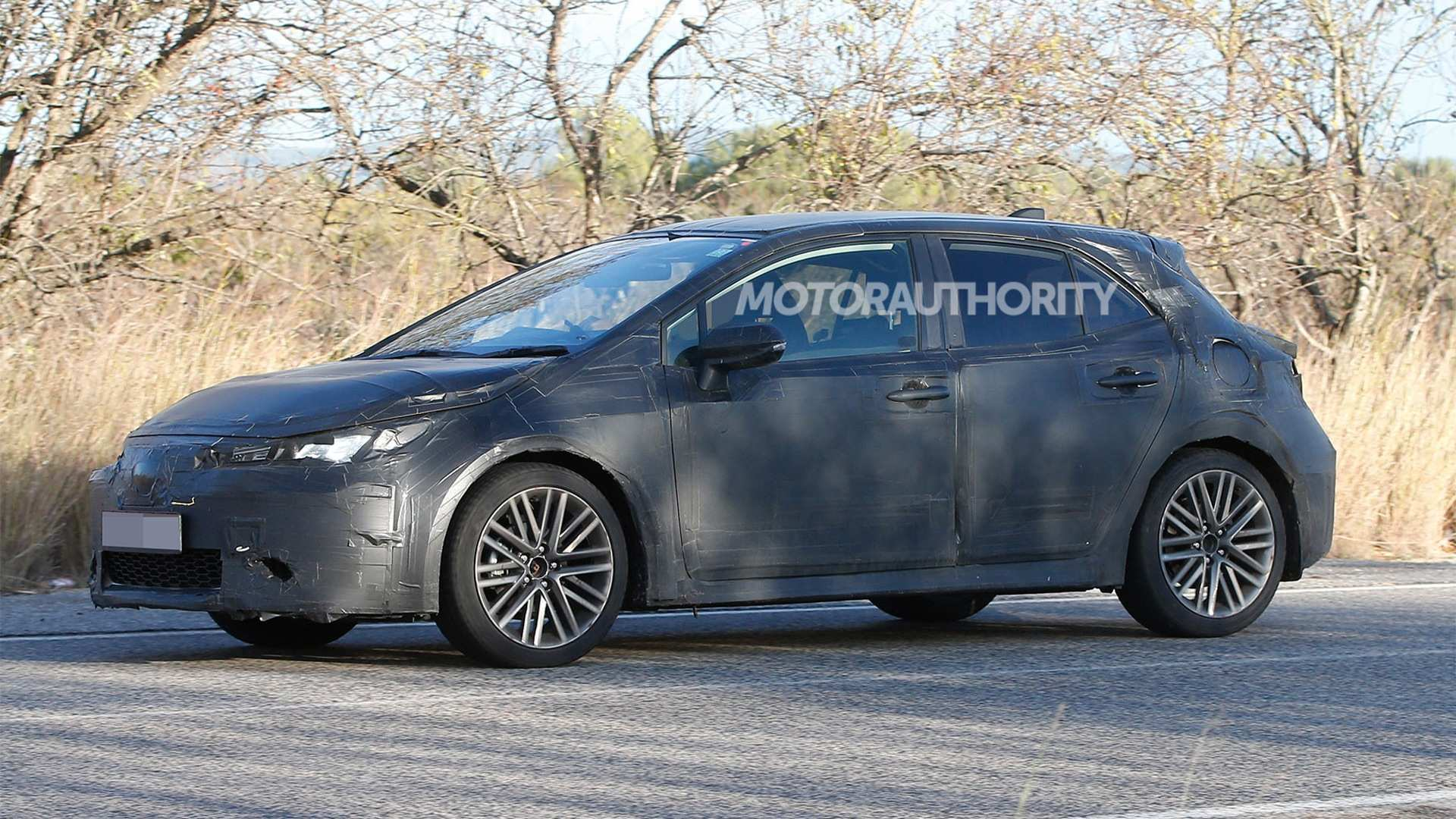 12 The 2019 New Toyota Avensis Spy Shots Concept