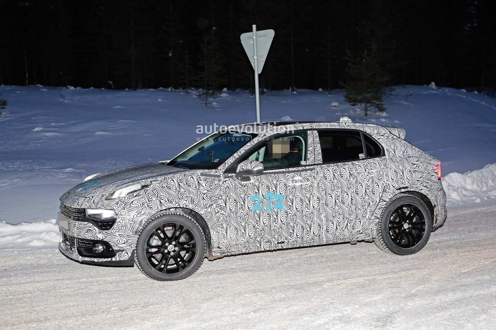 13 A Volvo V40 2020 Release Date Model