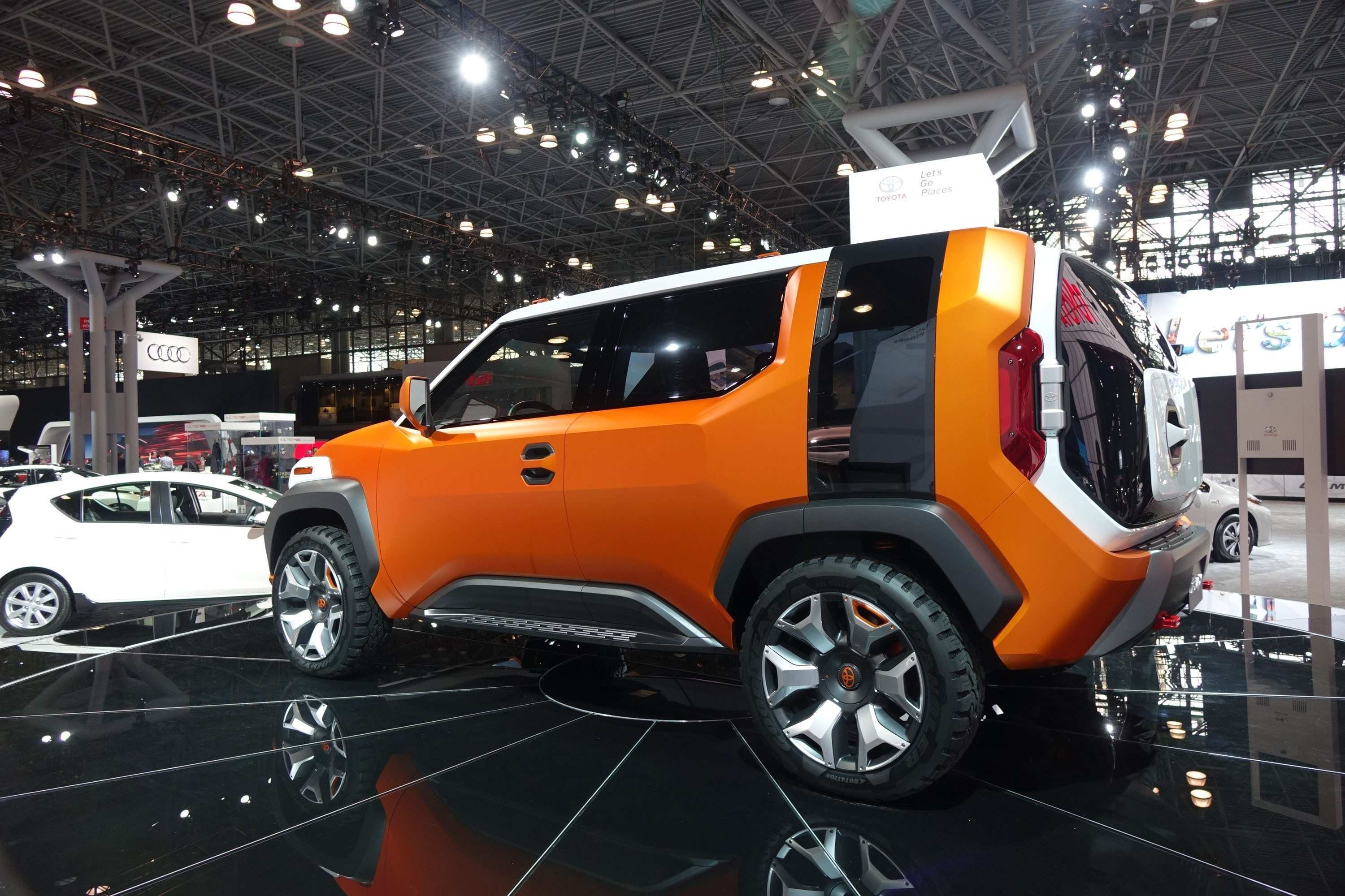 13 New 2019 Toyota FJ Cruiser Photos