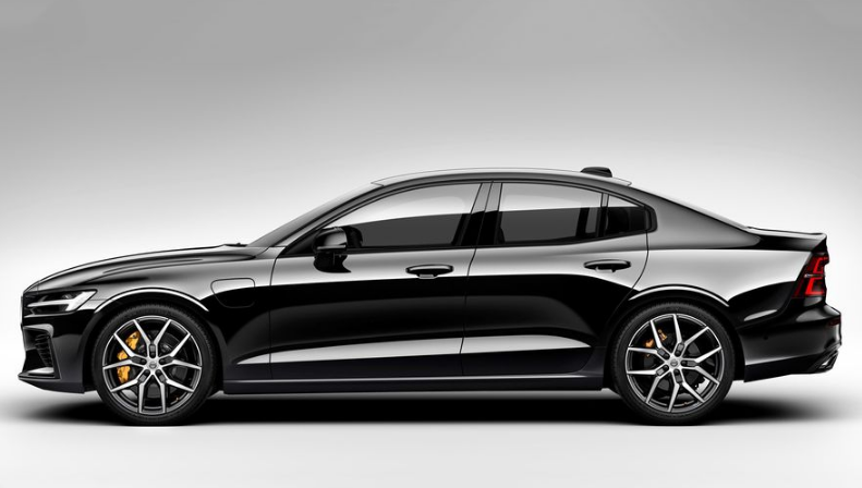 13 The 2020 Volvo S60 Performance