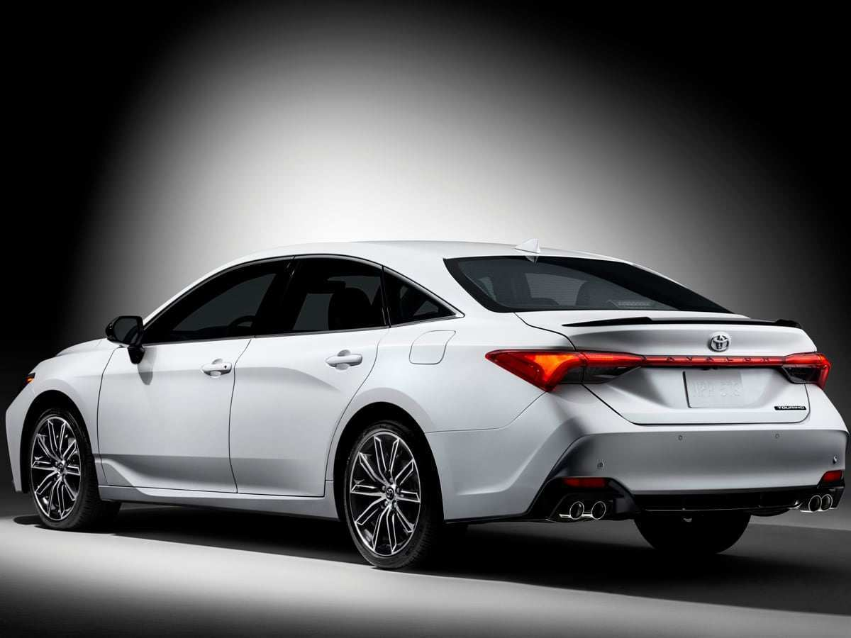 14 A 2019 Toyota Avalon Pricing