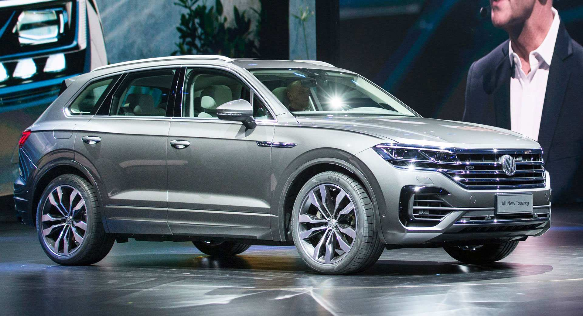 14 The 2019 Volkswagen Touareg Performance
