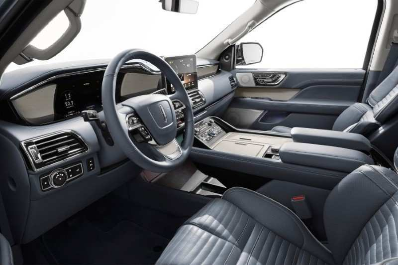14 The 2020 Lincoln Town First Drive