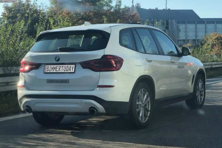 15 A 2019 BMW X3 Hybrid Performance