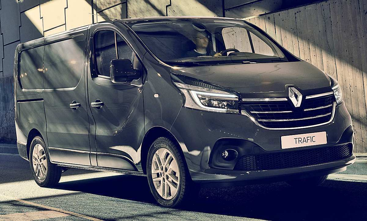 15 A 2019 Renault Trafic First Drive
