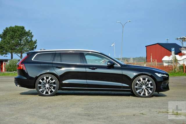16 A 2019 Volvo Station Wagon Concept