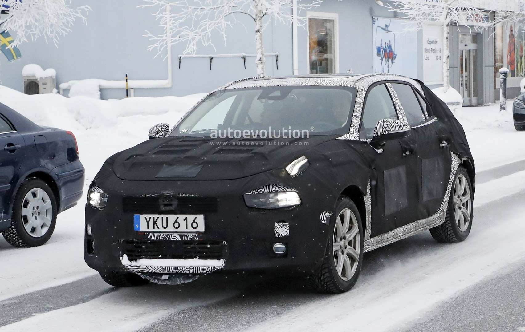 16 All New 2020 Volvo S40 Photos