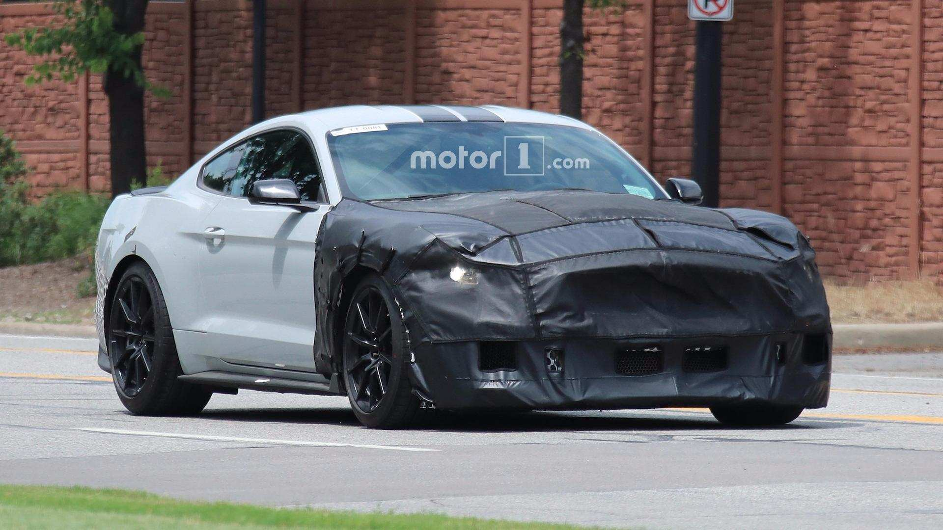 16 New 2019 The Spy Shots Ford Mustang Svt Gt 500 Performance And New Engine