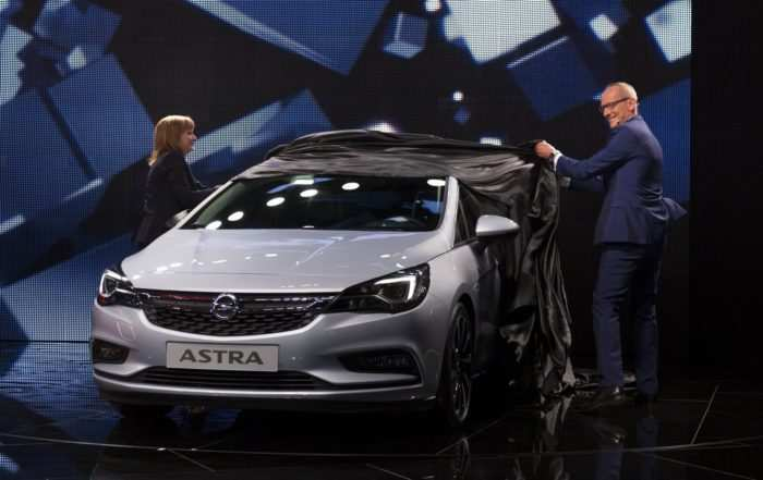 16 New 2020 Opel Astra Spy Shoot