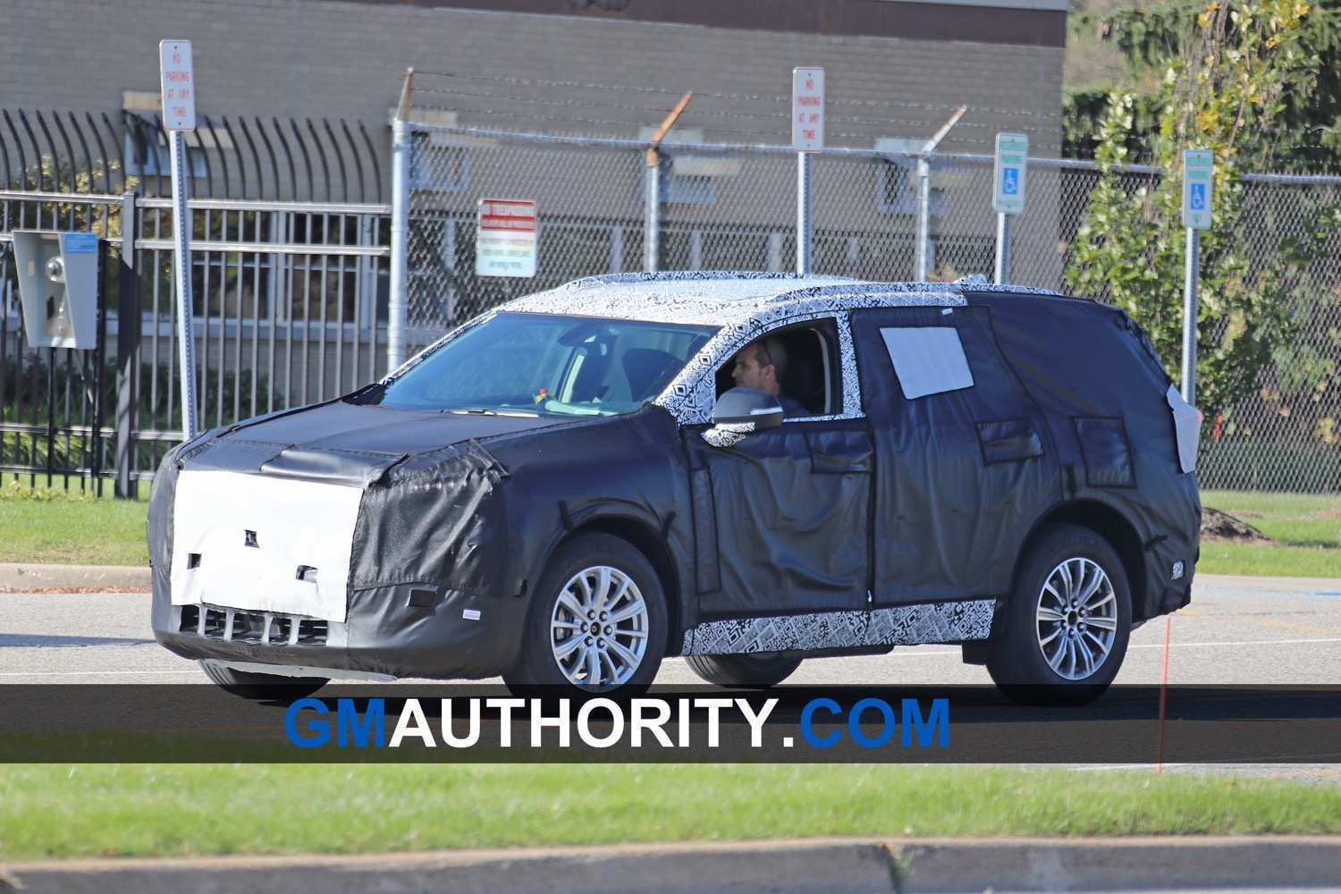 16 The 2019 Buick Enclave Spy Photos Spy Shoot