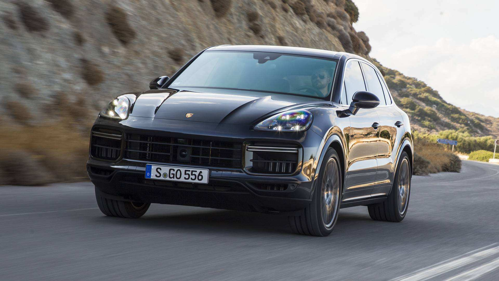 16 The Best 2019 Porsche Cayenne Turbo S Photos