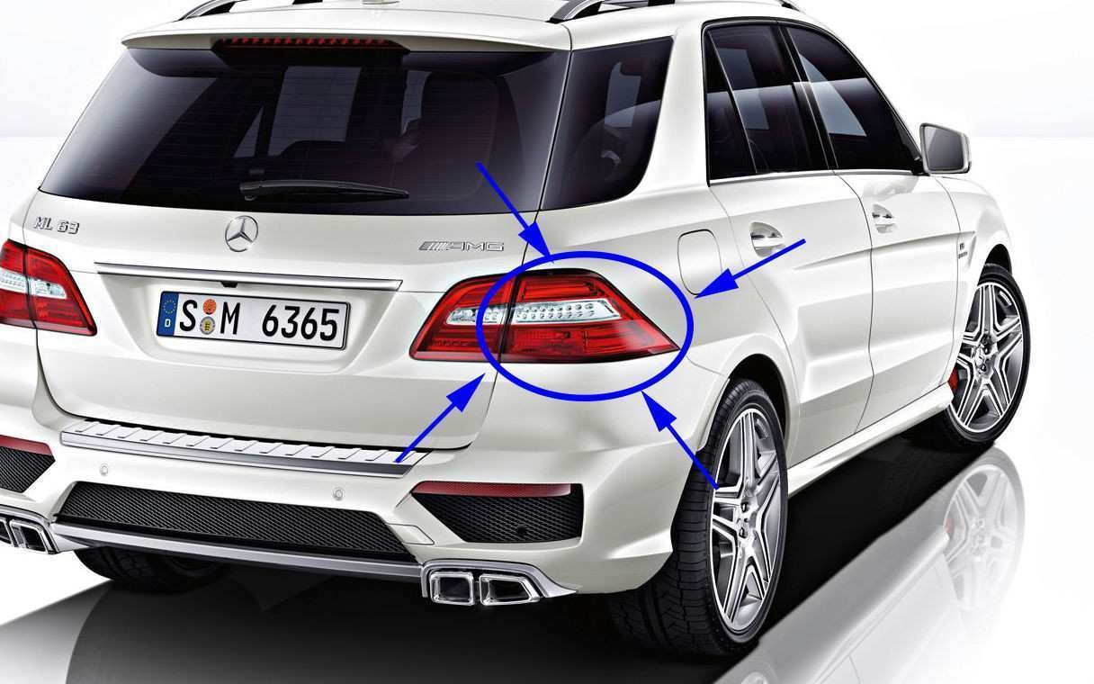 17 A 2019 Mercedes ML Class 400 Photos