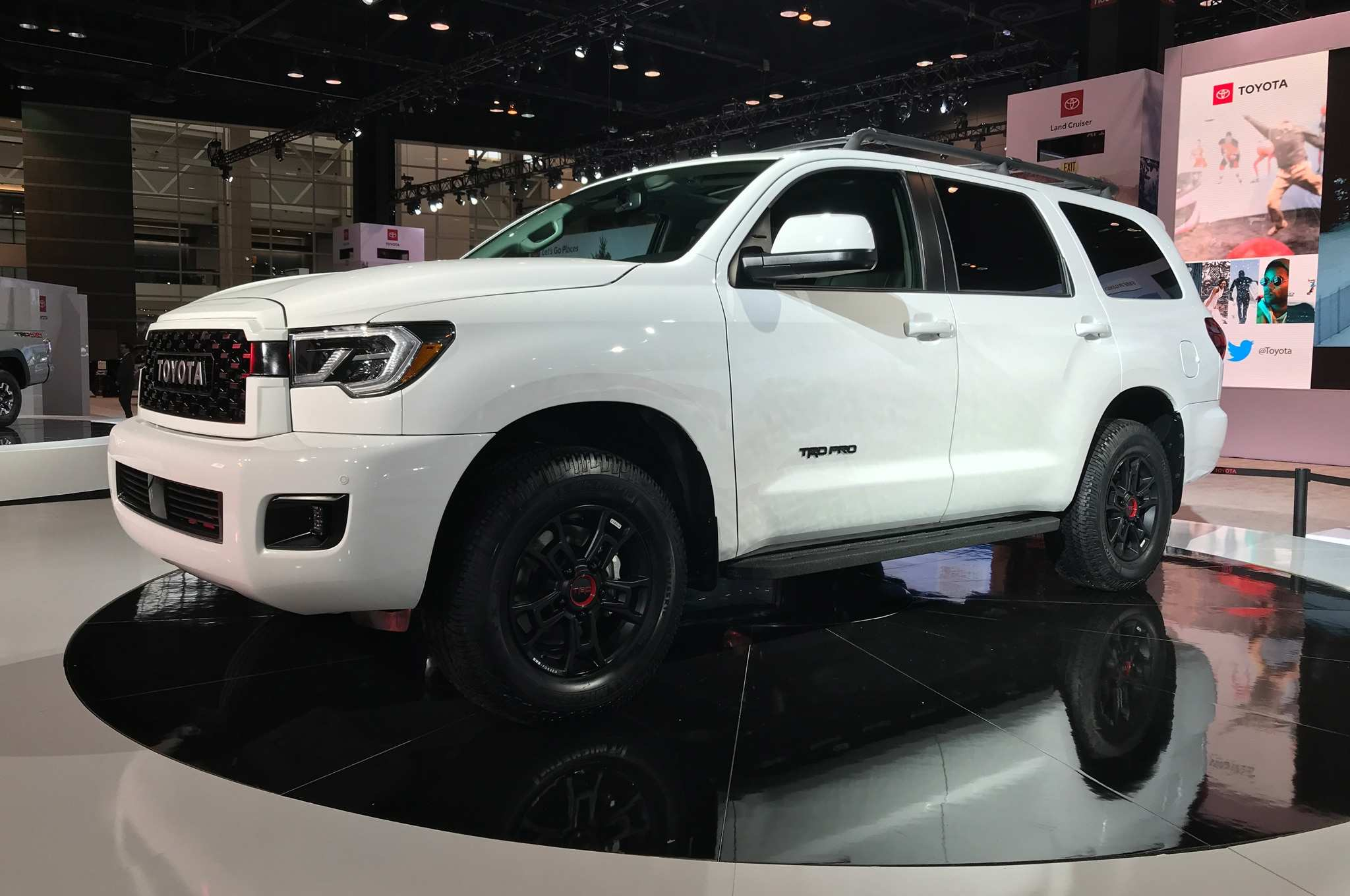 17 A 2020 Toyota Sequoia Concept And Review