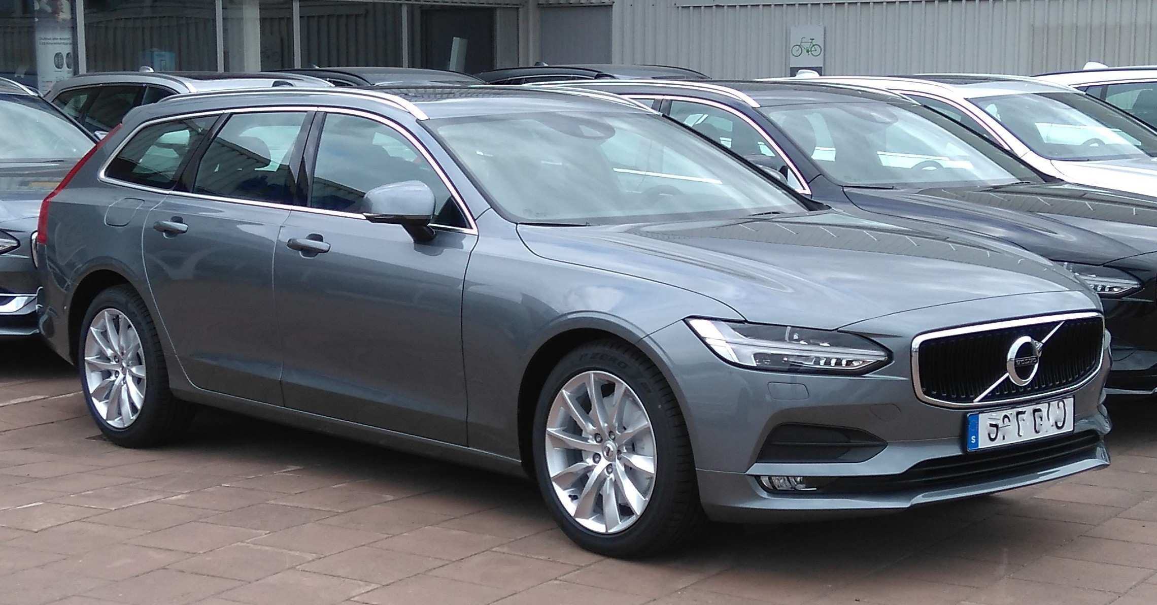 17 All New Volvo V90 Performance