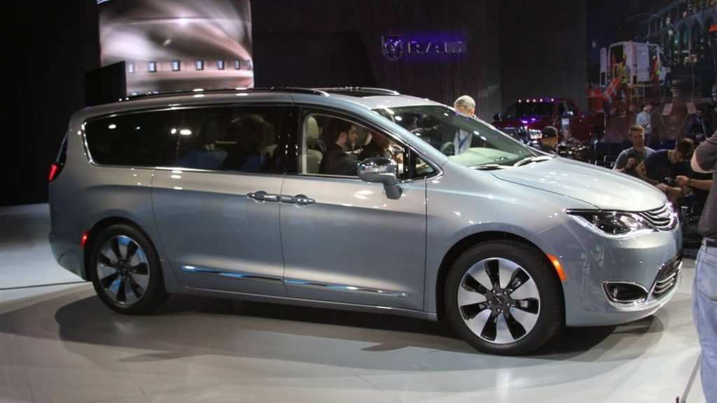 17 New 2020 Chrysler Town Engine
