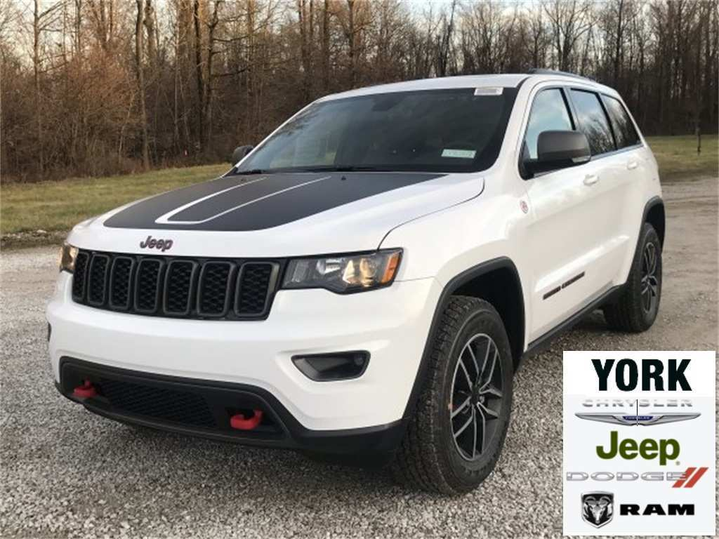 17 The 2019 Jeep Trail Hawk Images