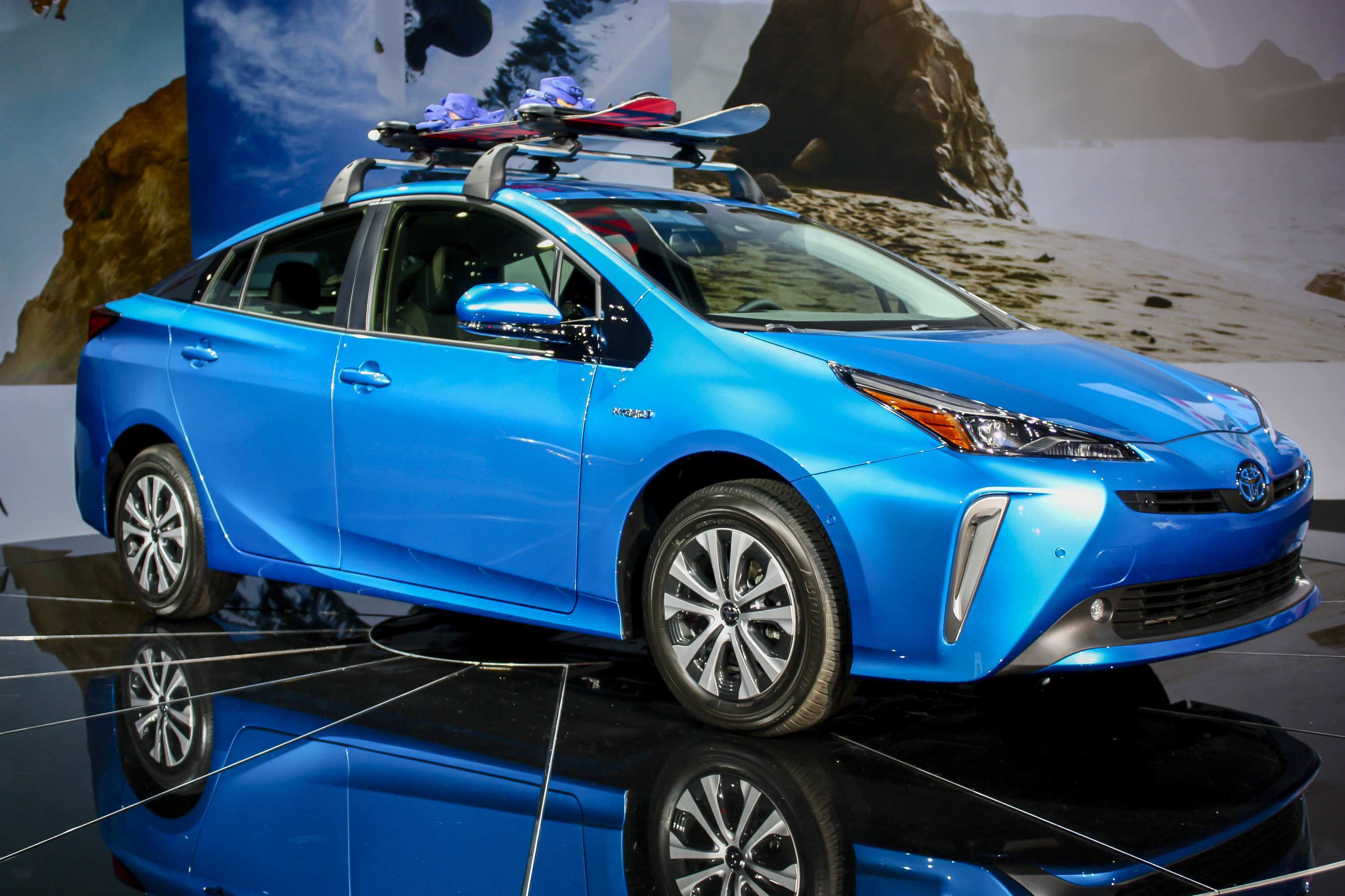 17 The 2019 Toyota PriusPictures Research New