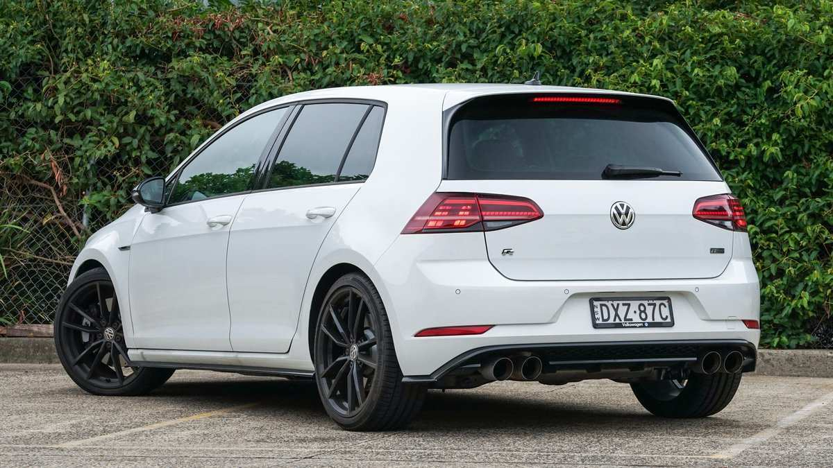 17 The 2019 Volkswagen Golf R Performance And New Engine