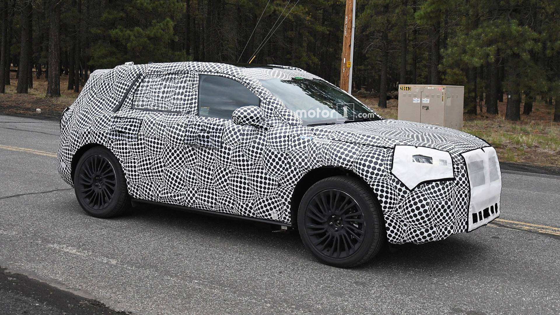 17 The 2020 Lincoln MKS Spy Photos Engine