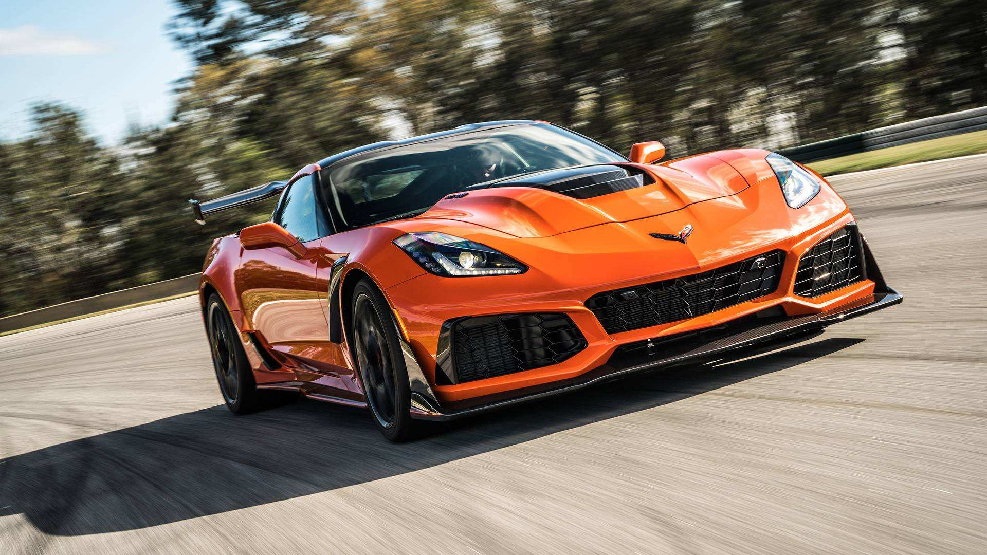 18 A 2019 Corvette ZR1 Exterior And Interior