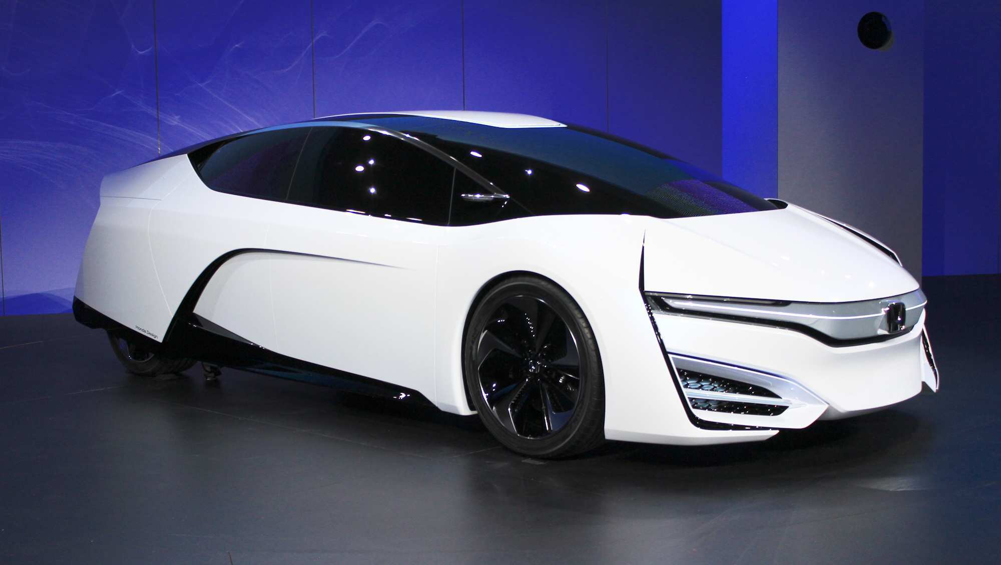 18 A 2020 Honda Fcev Spy Shoot