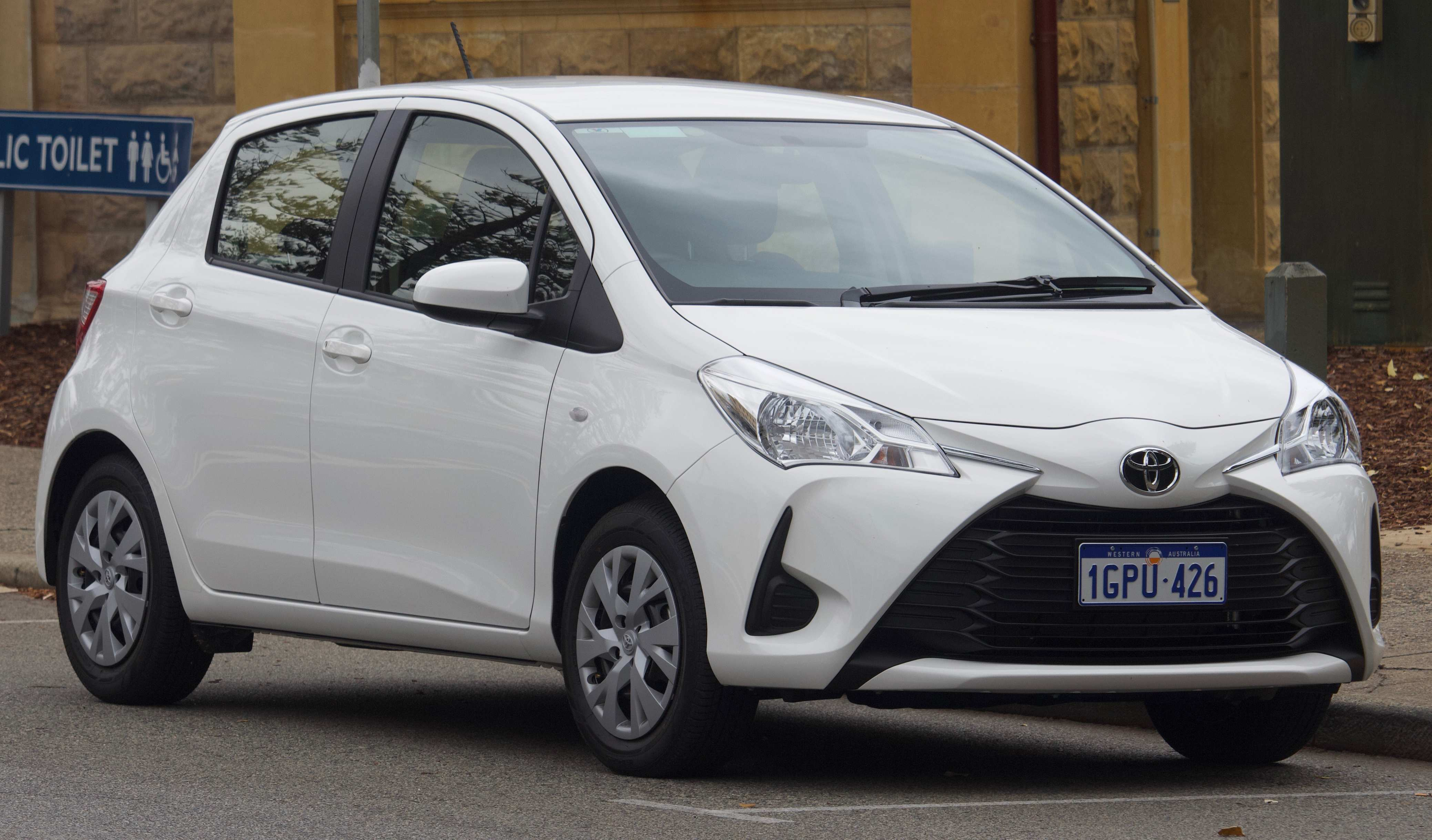 18 A Toyota Yaris 2019 Europe Review
