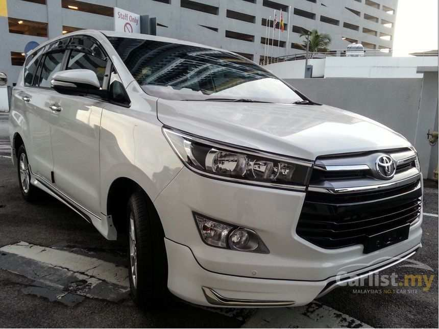 18 The 2019 Toyota Innova Photos