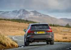 Volvo 2019 V60 Cross Country