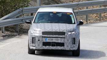 19 A 2020 Land Rover Discovery Picture