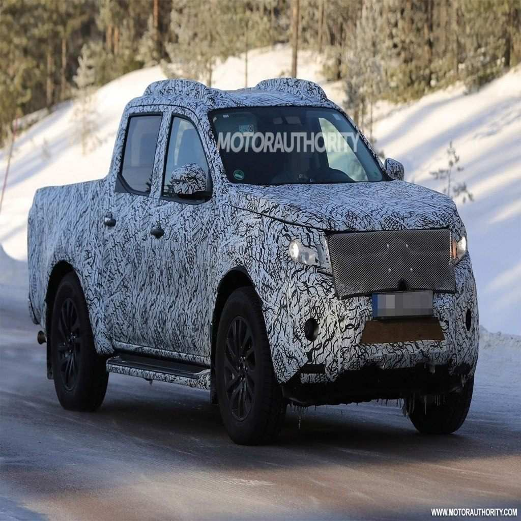 20 A 2020 Toyota Hilux Spy Shots Pictures
