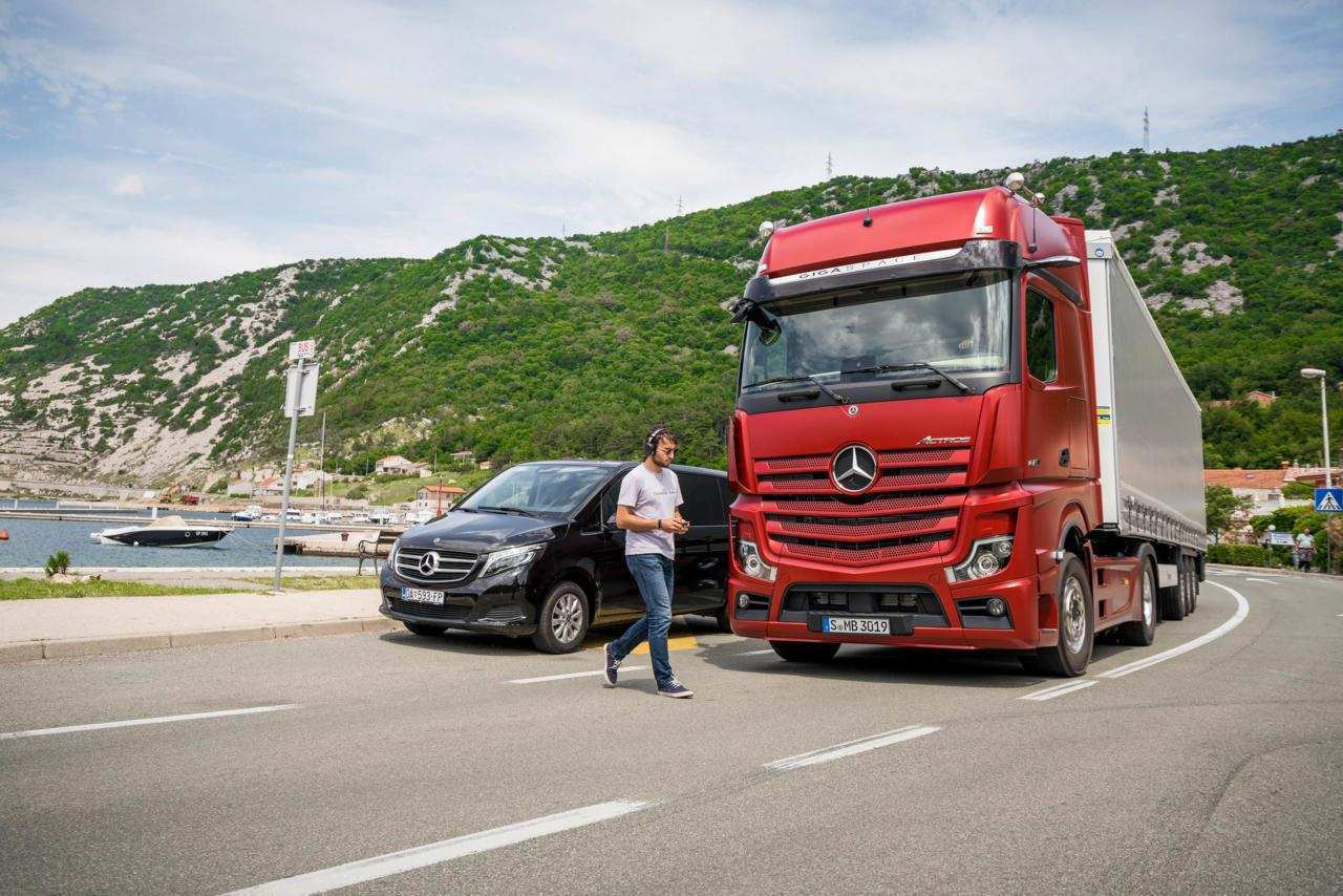 20 The Best Mercedes Truck 2019 First Drive