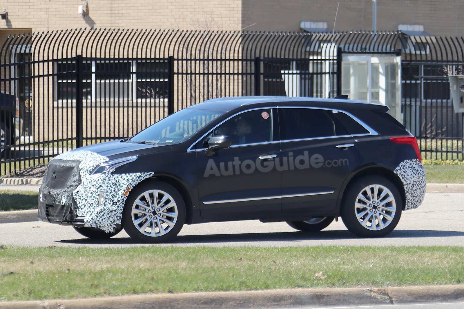 21 A 2019 Spy Shots Cadillac Xt5 Release Date