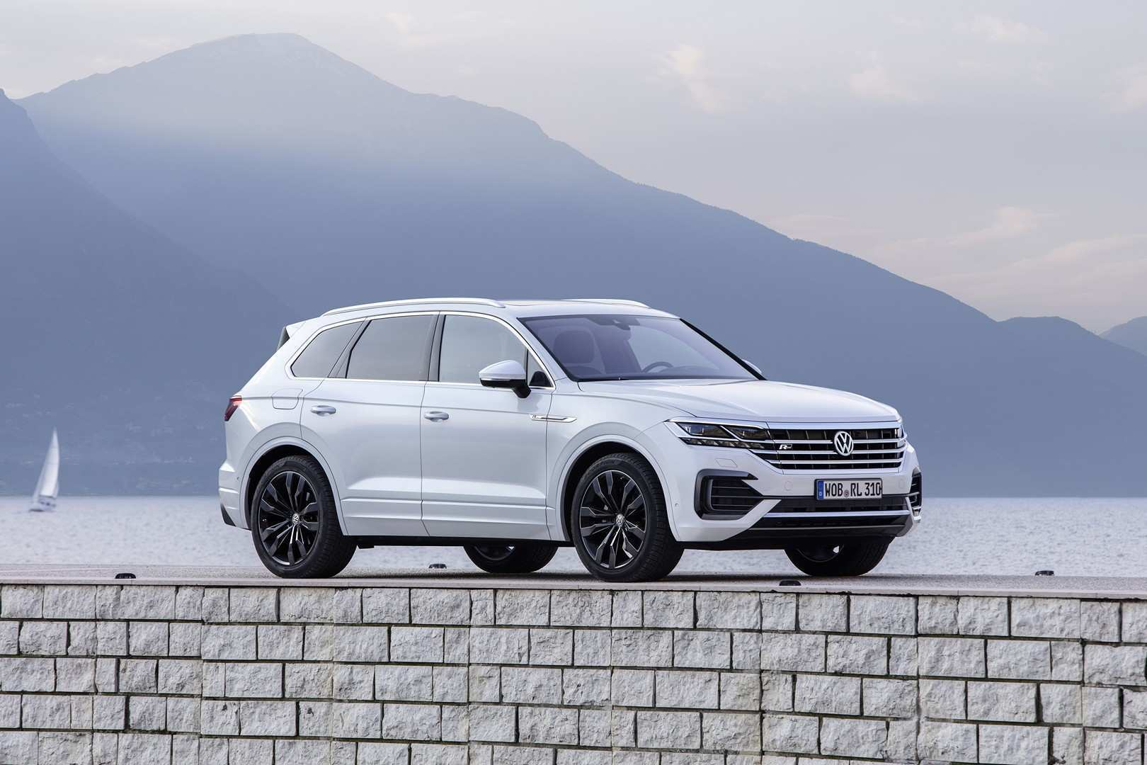 21 A 2019 Vw Touareg Tdi New Model And Performance