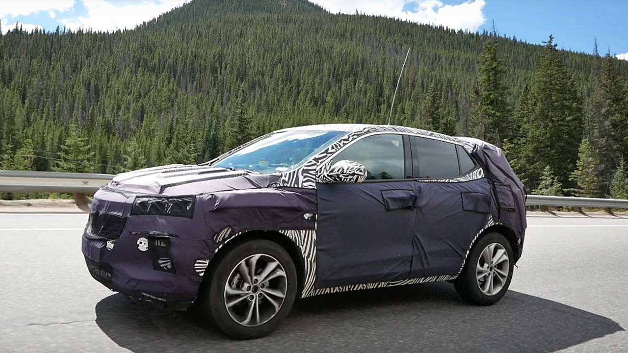 21 A 2020 Buick Enclave Spy Photos Speed Test