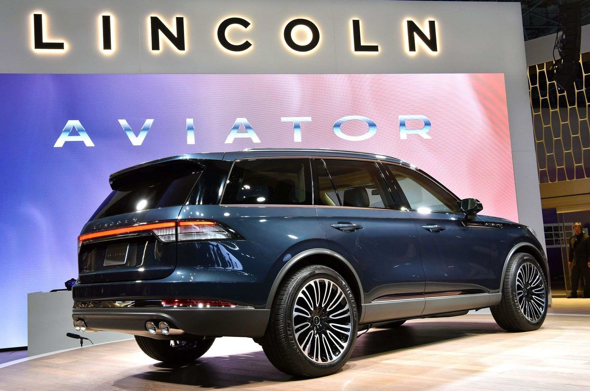 21 New 2020 Lincoln Navigator Images