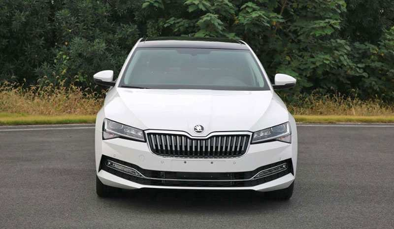 21 The 2019 Skoda Superb Images