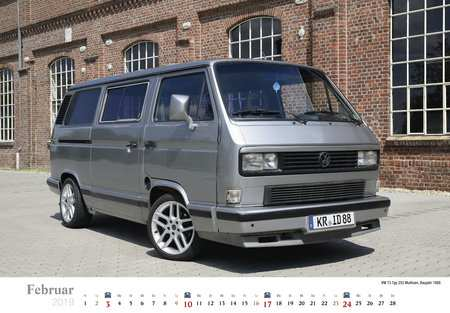 22 A 2019 Volkswagen Bus Photos