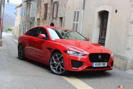 22 A 2020 Jaguar Xe Sedan Overview