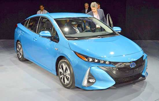 22 The 2020 Toyota Prius Engine