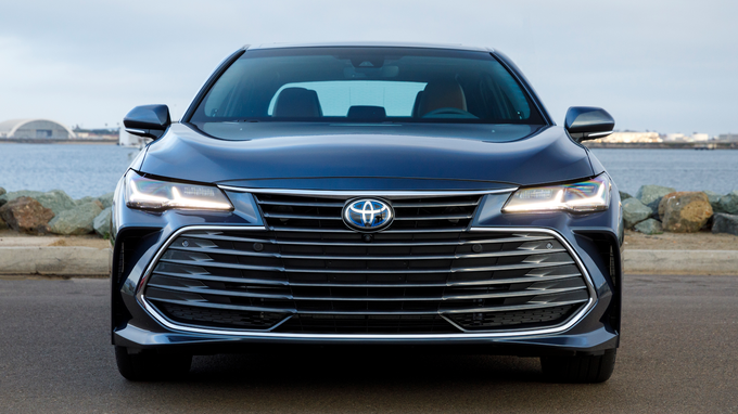 23 A 2020 Toyota Avalon First Drive