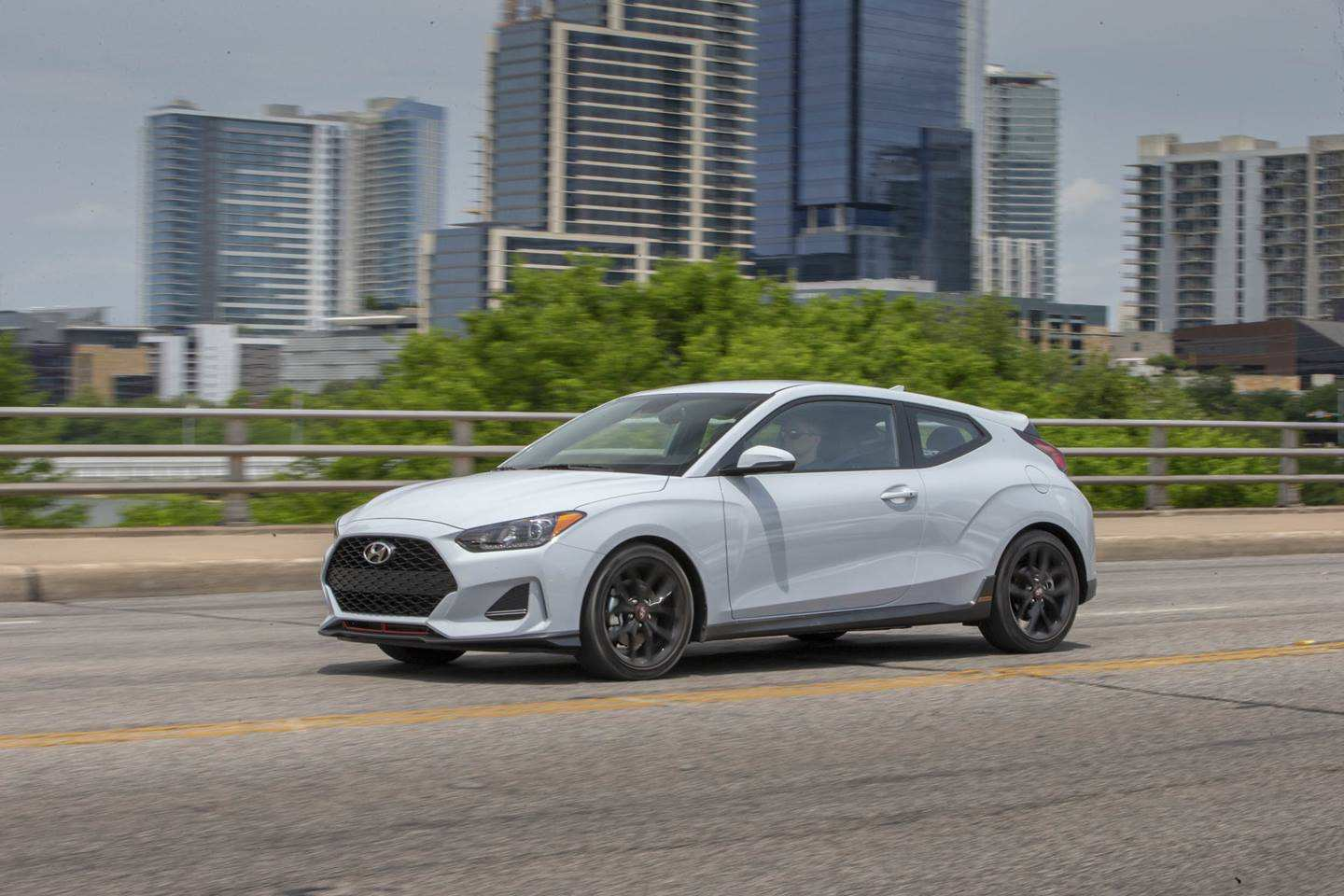 23 The 2019 Hyundai Veloster Turbo Ratings