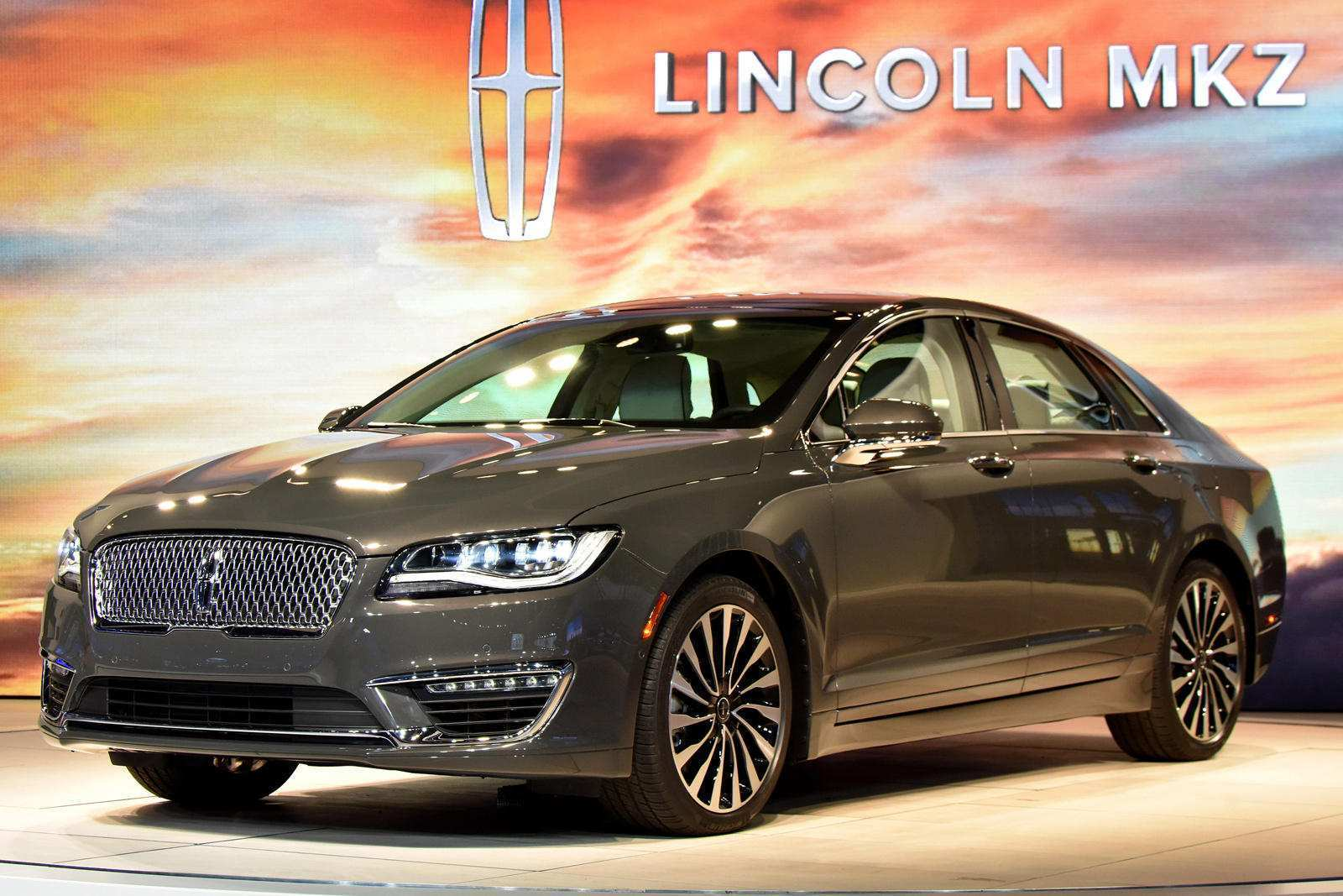 23 The 2019 Lincoln MKX Wallpaper