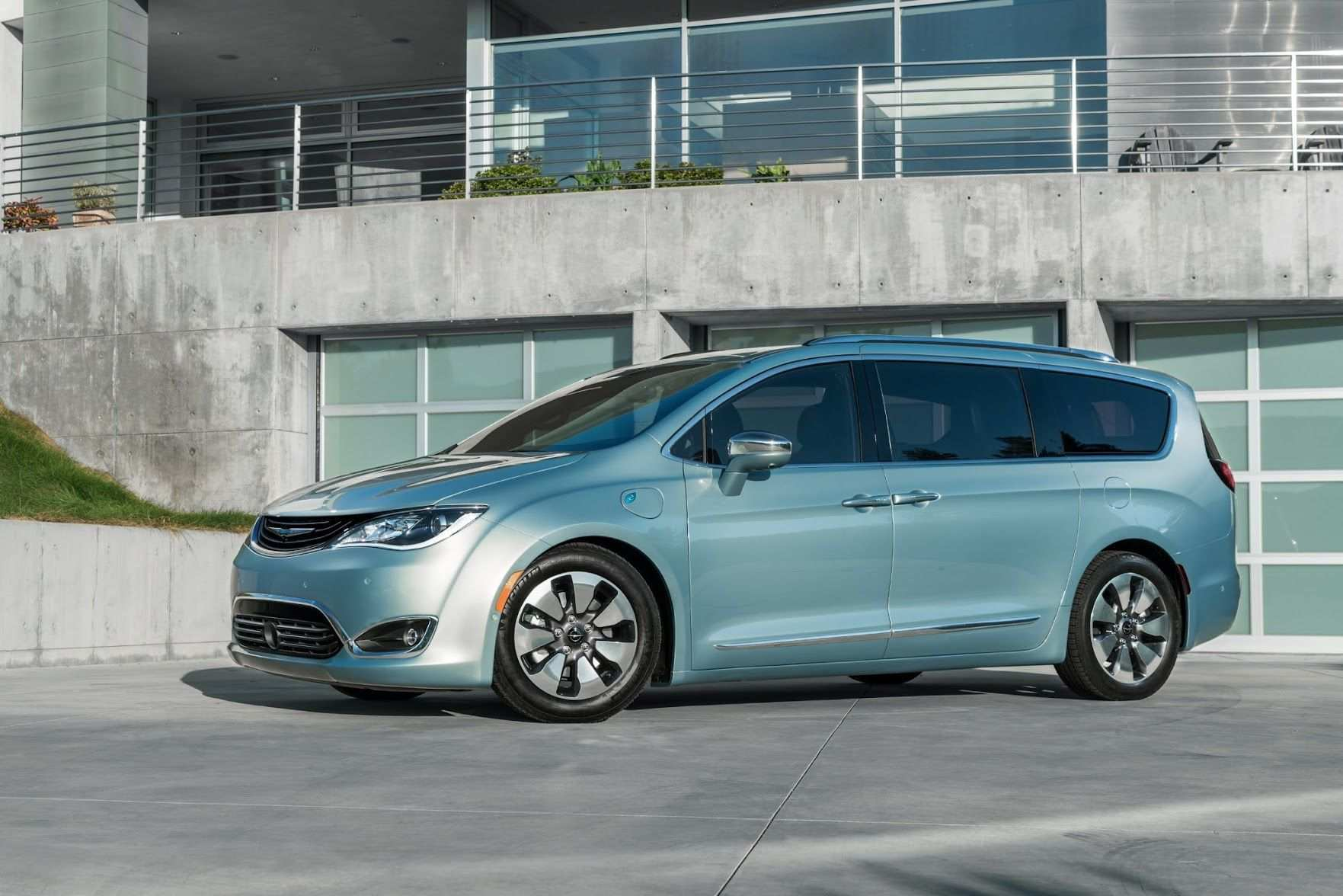 23 The 2020 Chrysler 100 Price And Release Date